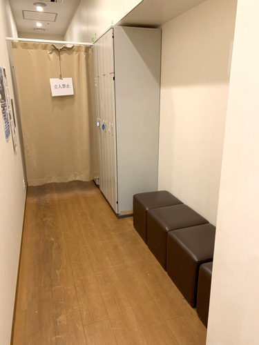 等待室_入口